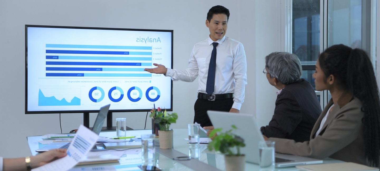 مطالعات امکان سنجی ، مشاور با ارائه نتایج در جلسه