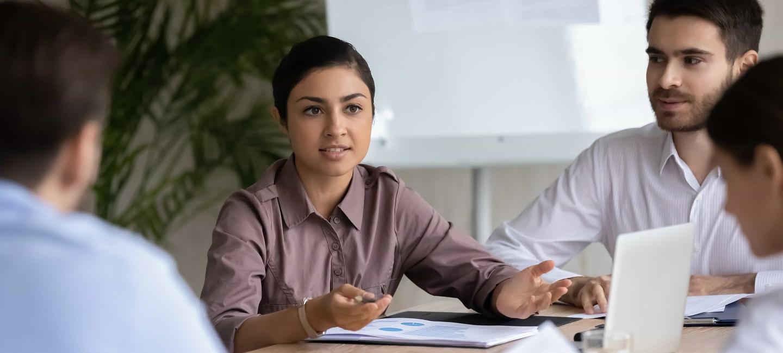 مشاوران مشاوره در مورد تحقیقات بین المللی بازار با مشتریان